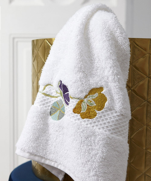 bath towels from yves delorme, pavot